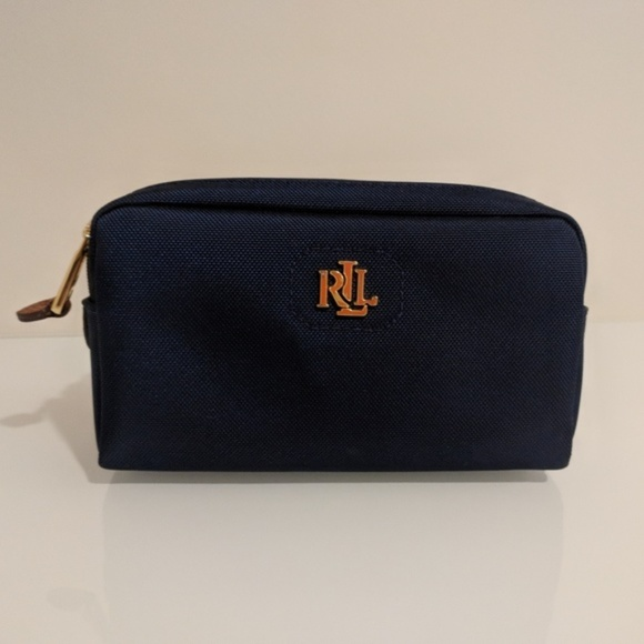 52a8407fd213 Ralph Lauren Bainbridge Mini Navy Cosmetic Bag. M 5b25a691a31c3319016921bc
